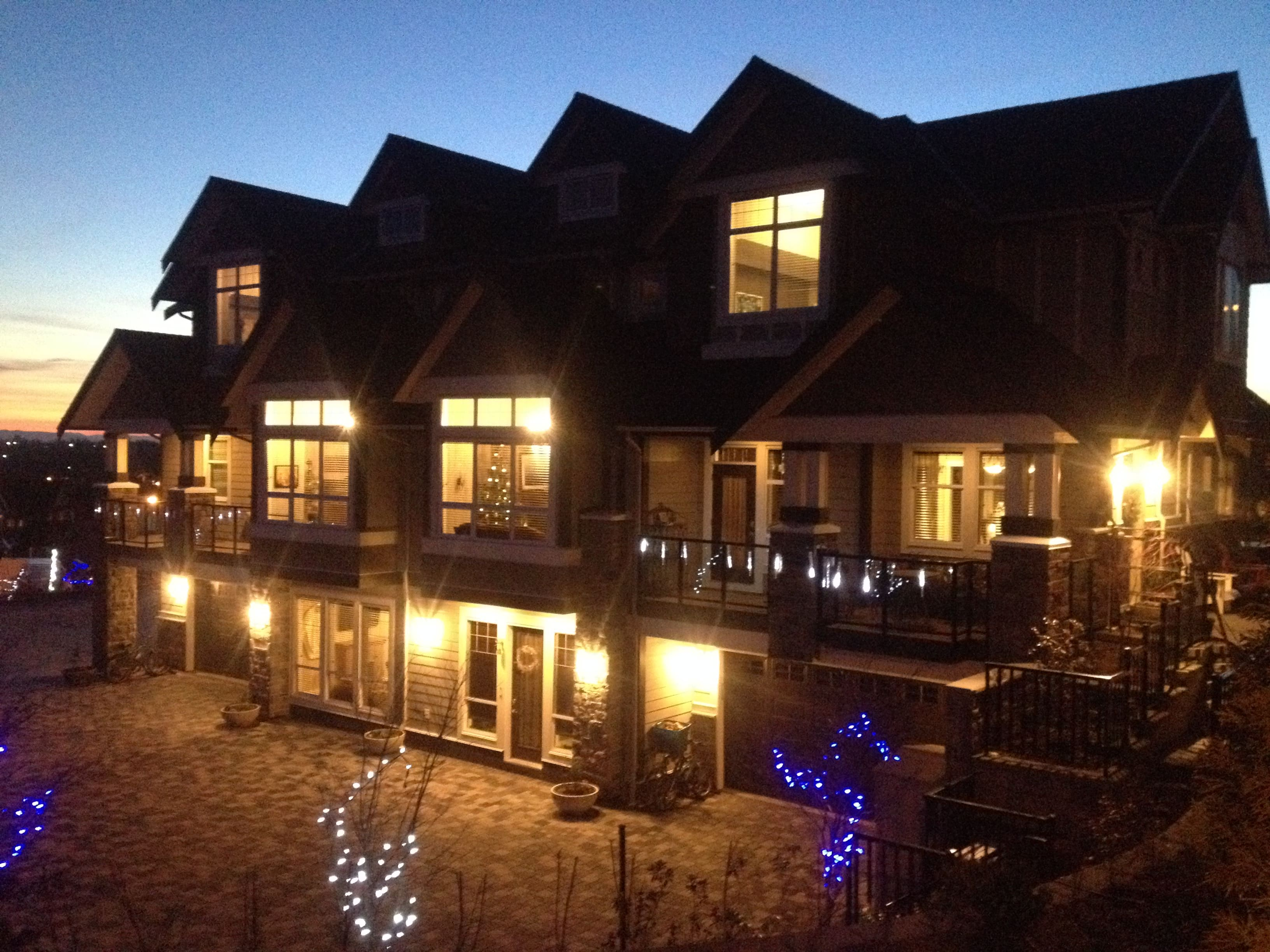 brookside-inn-exterior-night.jpg